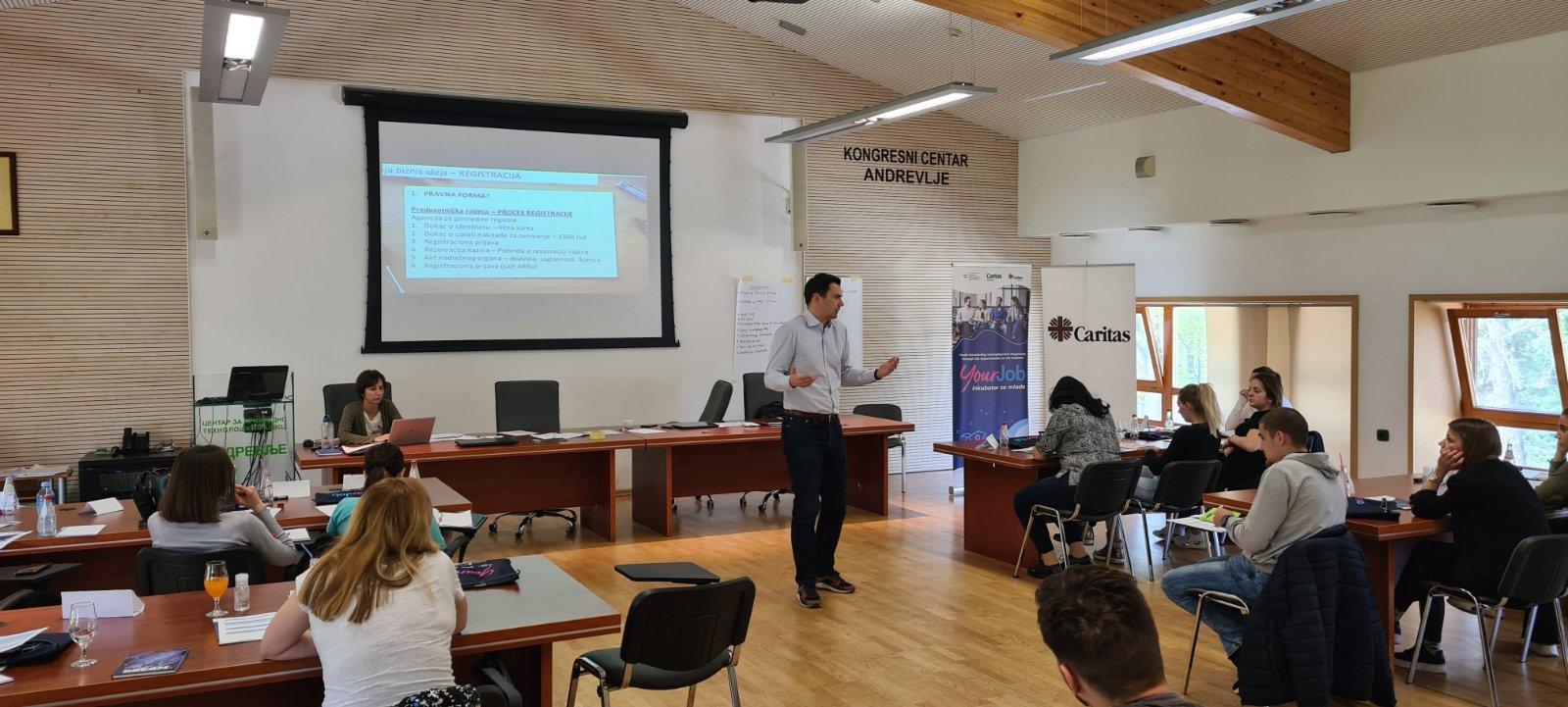 Treneri Smart Kolektiv-a na Trećem YourJob Bootcamp-u u organizaciji Caritas-a Srbija